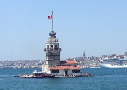 Maidens Tower, menara kecil di Selat Bhosporus